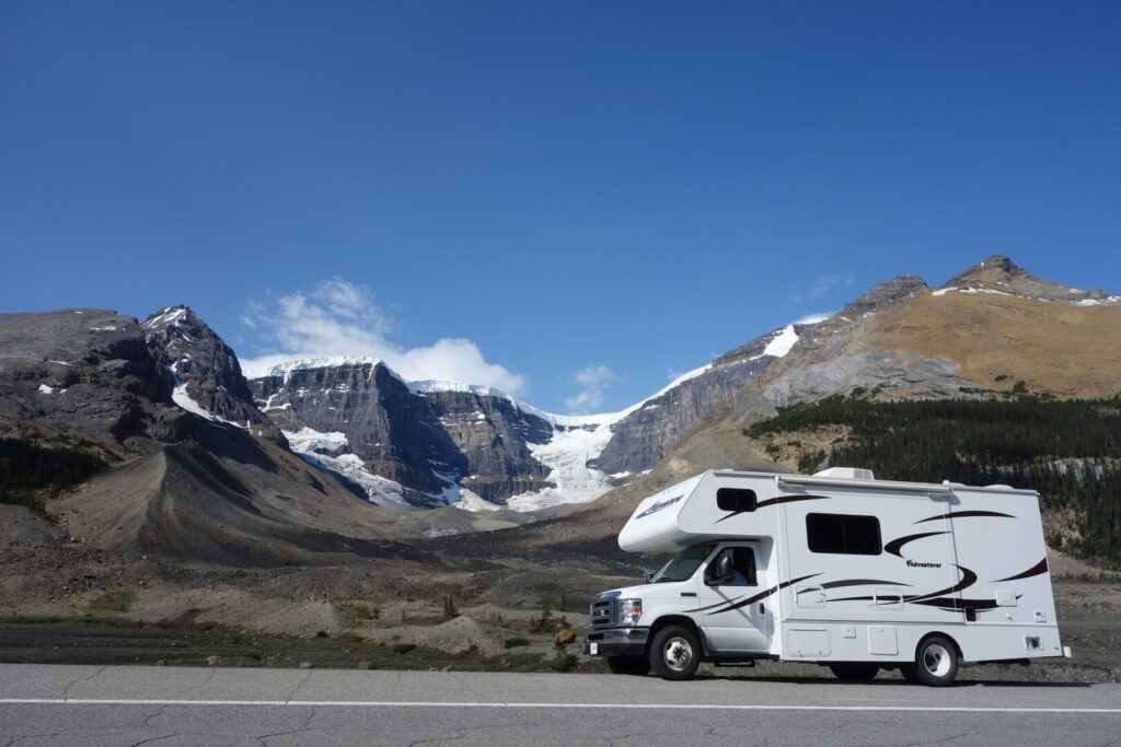 RV driving in the mountains