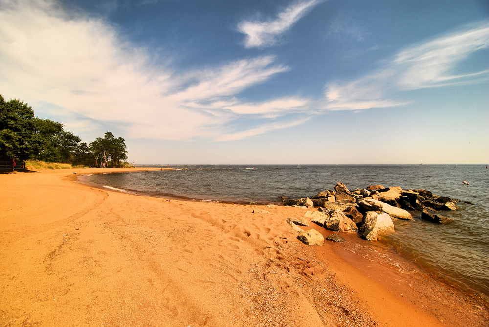 The red sandy beach of Sandy Point State Park near Annapolis, Maryland./ Red Sands of Maryland